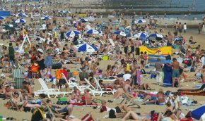 Decent Summer Weather Forecast – The Con Unleashes Sustainability Zealot to Tell Us it's Dangerous ClimateChange
